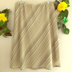 Kathie Lee Collection tan flowing skirt size 14